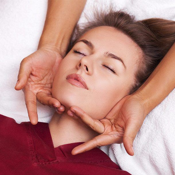 Thai head and face massage